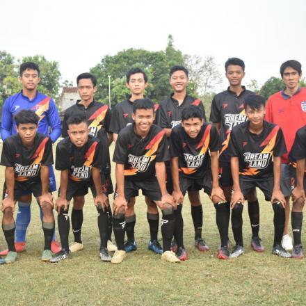 Friendly Match VS Sale FC
